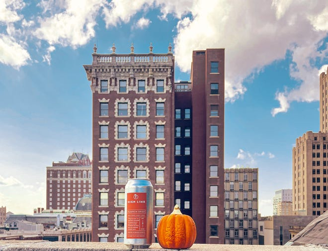 High Limb Cider se sirve en The Rooftop at the Providence G con excelentes vistas de Providence.