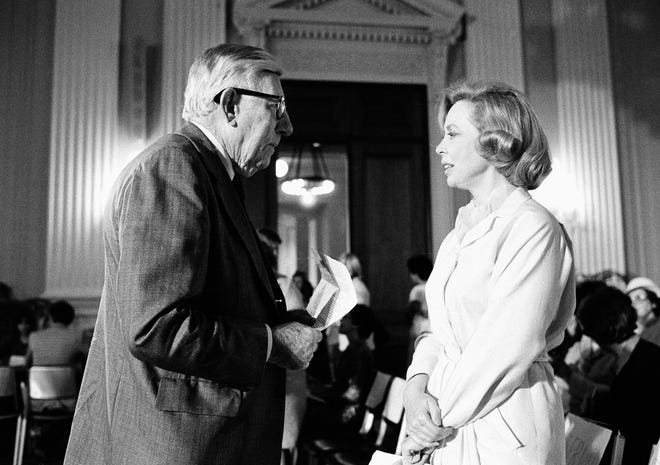 Rep. Claude Pepper, D-Fla., chats with Dr. Joyce Brothers in Washington in 1979.