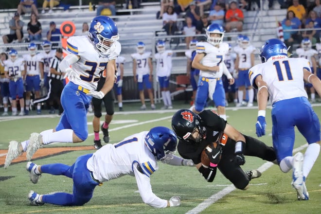 Circle's Ty Smith (1) goes in for a tackle against Independence on Friday, Oct. 8