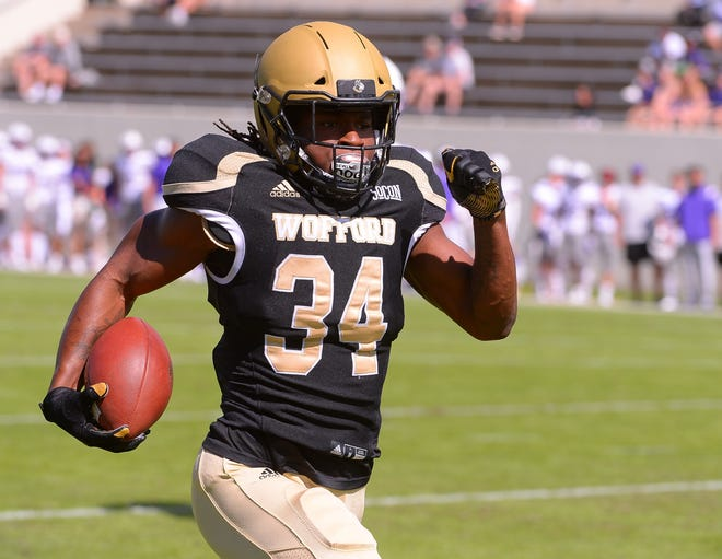 Wofford running back Irvin Mulligan breaks free for a 72-yard touchdown against Furman on his team's opening possession. (Tim Kimzey/Herald-Journal)