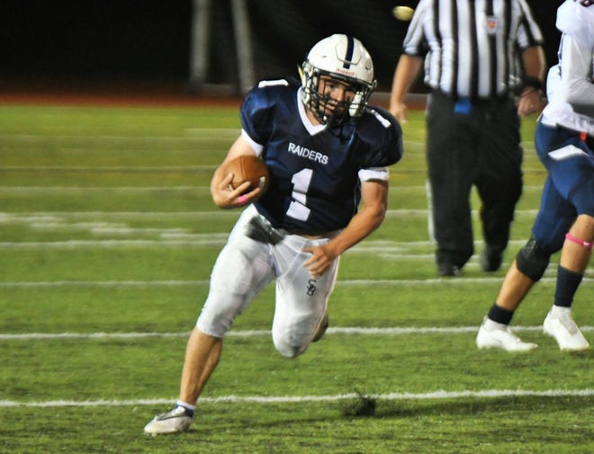 Somerset Berkley running back Dylan Rodriguez breaks into the open for a touchdown against Apponequet.