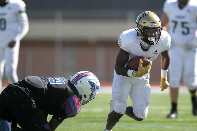 Independence Pirates receiver Deontay Wilson tallied eight catches for 144 yards and three touchdowns, including the 53-yard game-winning touchdown with six seconds to go, which lifted the Pireates over the Hutcinson Blue Dragons 33-28 Saturday at Gowans Stadium.