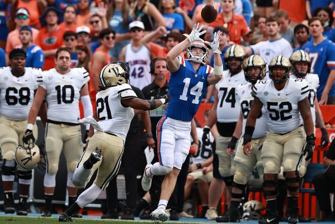 Florida wide receiver Trent Whittemore makes a catch during the first quarter Saturday against Vanderbilt at Ben Hill Griffin Stadium.