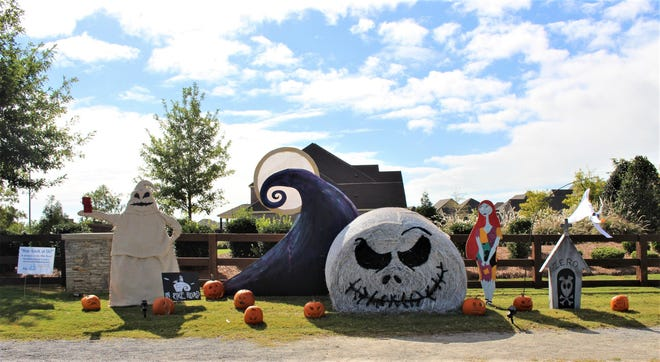 Boykin Lakes was the 2020 Neighborhood Winner of The Hay, Look at Us! competition. A record number of hay bales are now being decorated across the Pike Road community for the 2021 contest.