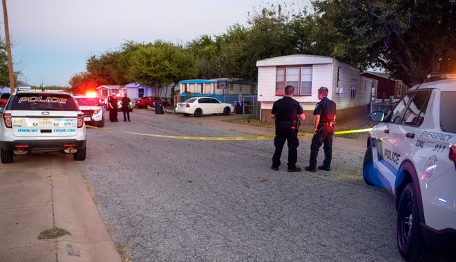 Wichita Falls police responded to a report of a gunshot victim Saturday night at a mobile home community on Evergreen Drive.