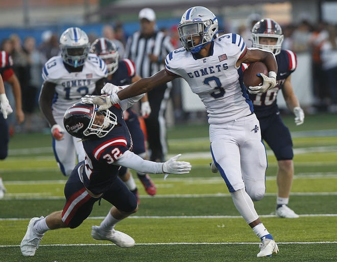 Central Crossing relies on senior Jae'V'on Pass to provide energy and make plays on offense, defense and special teams. He had 59 tackles, two interceptions, two blocked punts, two fumble recoveries and one forced fumble through eight games. Pass also had rushed for 146 yards and two touchdowns on 18 carries.