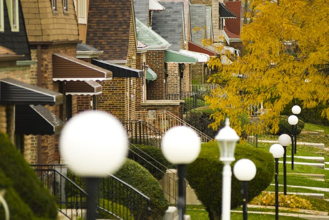 A middle-class neighborhood on Chicago's South Side. The middle class' share of real estate assets is falling. (Dreamstime/TNS)