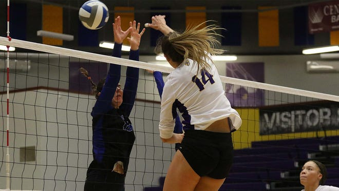 Dodge City CC volleyball player, Antia Vallecas Rodriguez goes up for the kill against Pratt in a home KJCCC contest.