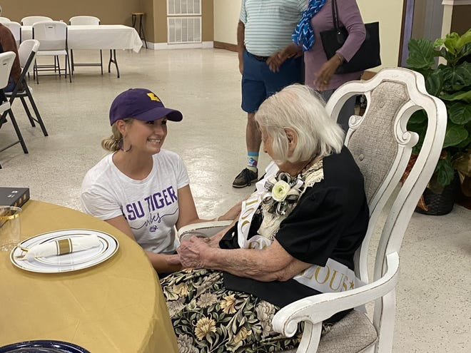 Mayor Misty Clanton congratulated Helen Henry on her 100th Birthday.