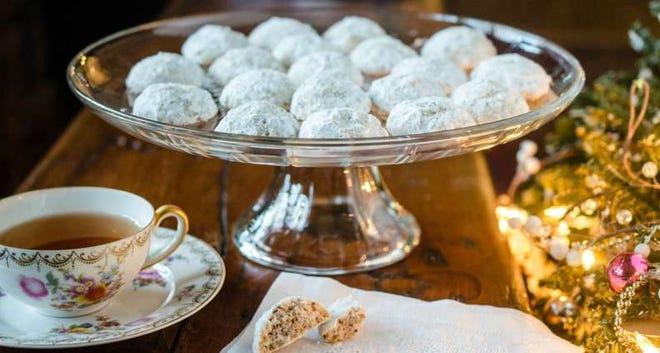 Virginia Willis' Wedding Cookies