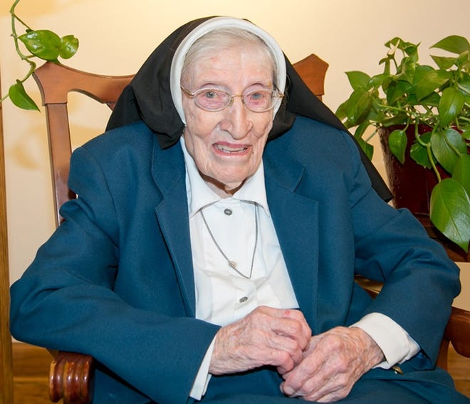 Sister Agnes Marie Tenglerof the Incarnate Word and Blessed Sacrament of Corpus Christi died Thursday, Oct. 7, 2021. She was 94.