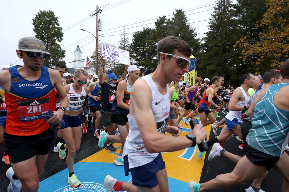 Runners including Shalane Flanagan, second from left, kick off the 125th Boston Marathon on Monday.
