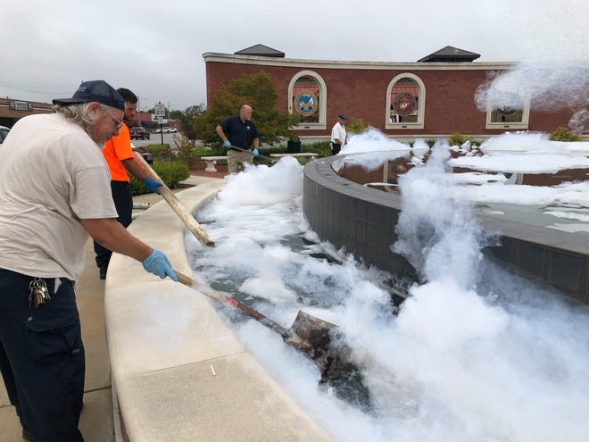 Jacksonville crews clean up after the Freedom Fountain was vandalized.