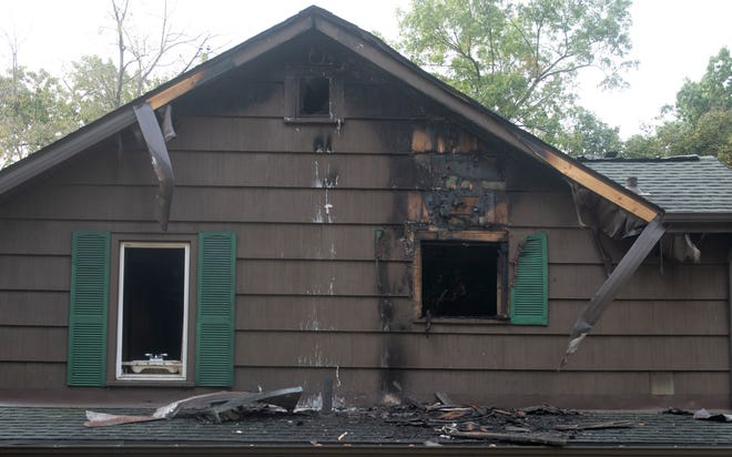 House fire, 2284 Hissom Ln, Ravenna
