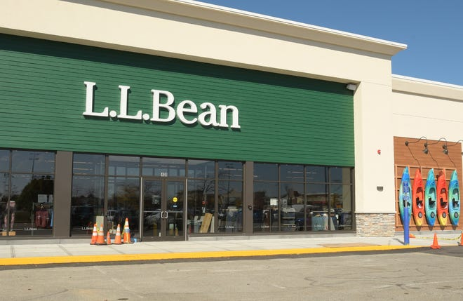 A 15,000-square-foot L.L. Bean store will open at TheShoppes at Blackstone Valley next week.
