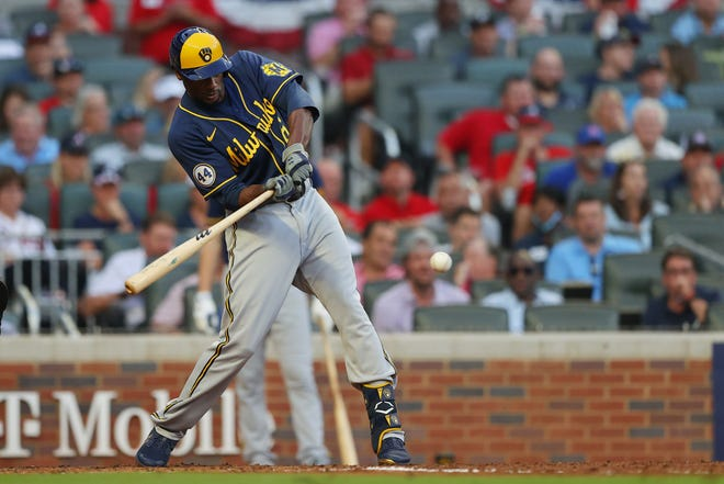 Lorenzo Cain hits an RBI single during the fourth inning Tuesday night.
