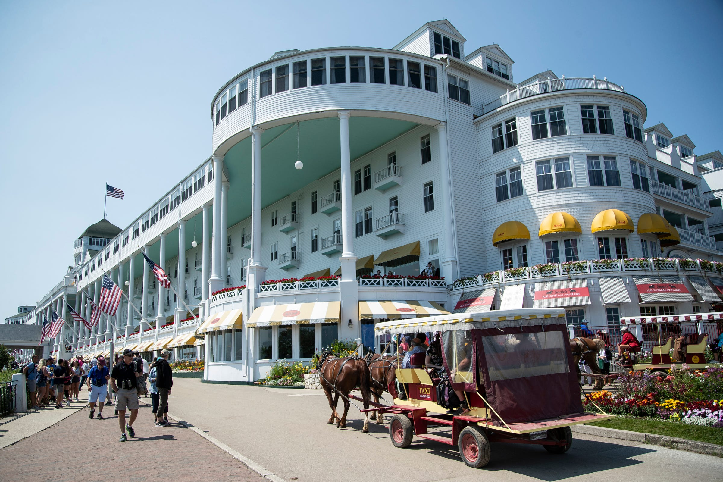 Mackinac Island tourism 'absolutely crazy,' sets revenue record in 2021