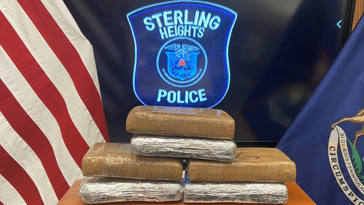 Sterling Heights police seize 13 lbs. of cocaine in traffic stop
