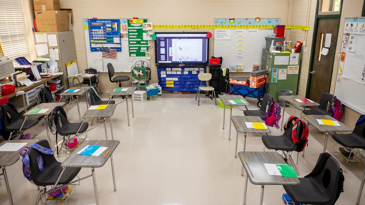 What's behind Louisiana's teacher shortage? Fewer entering teacher prep programs