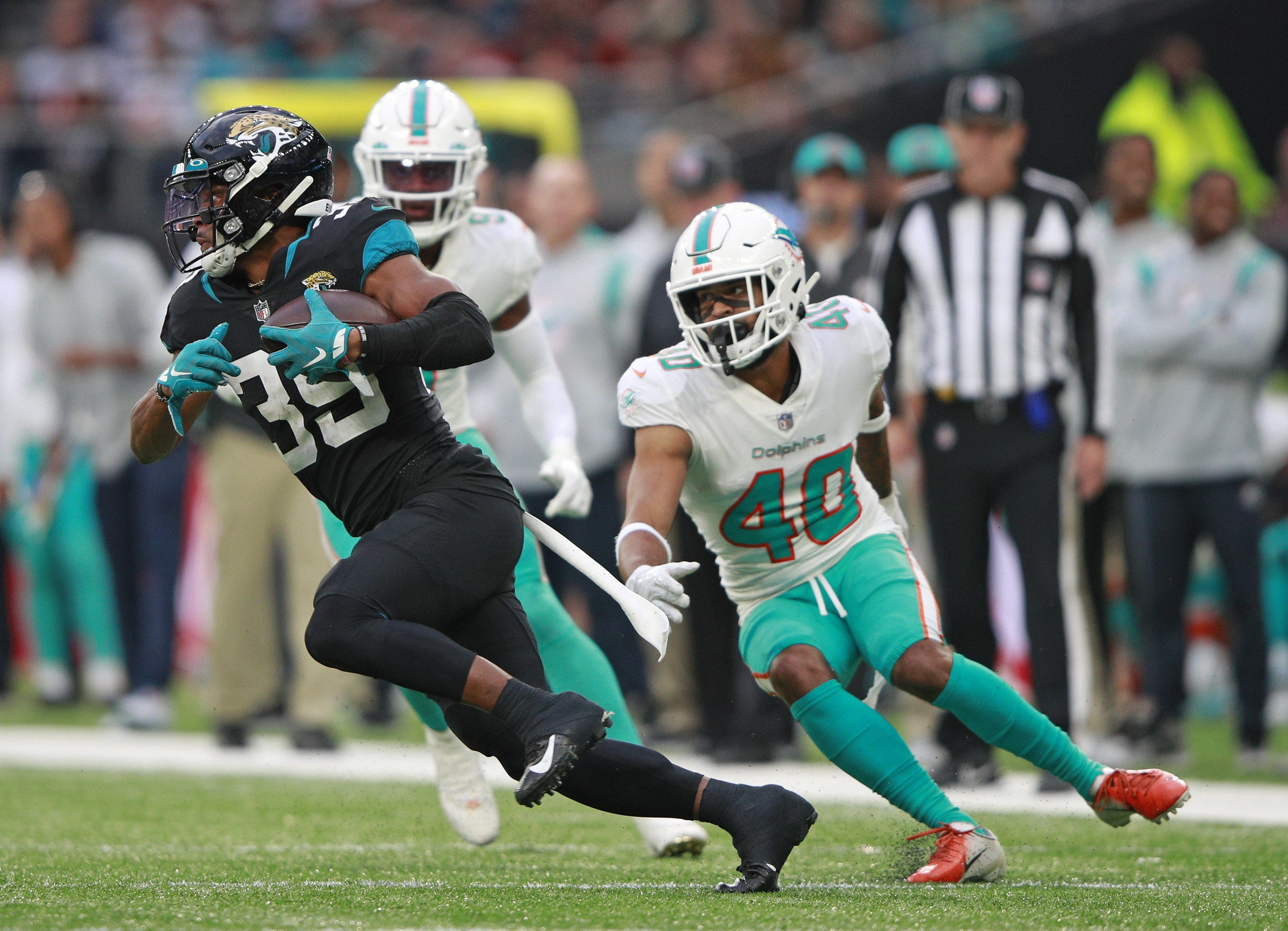 'We've been on each other': Voices raised as Dolphins up urgency to  end five-game skid