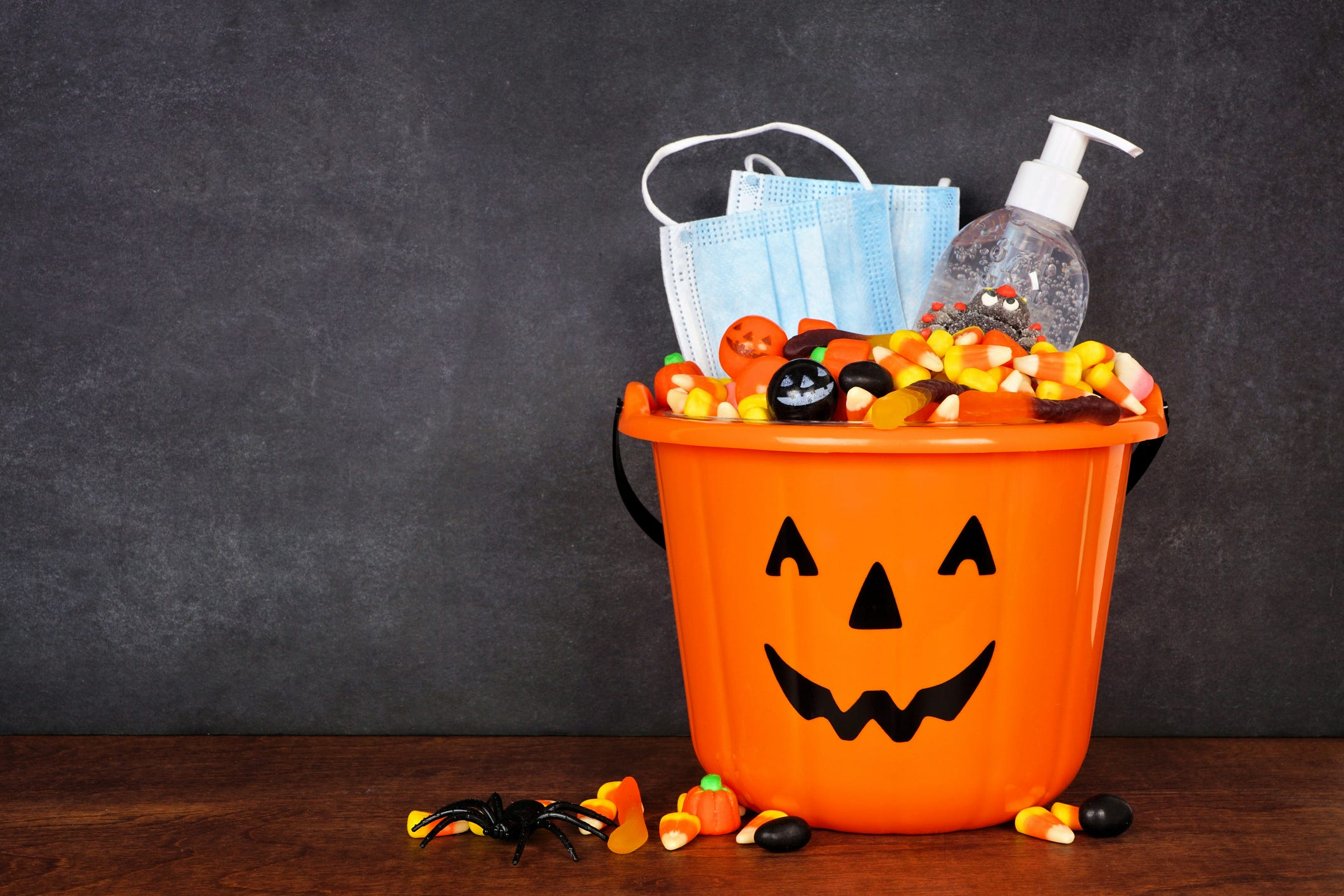 Michigan: To prevent COVID-19 infection in kids, avoid crowds this Halloween
