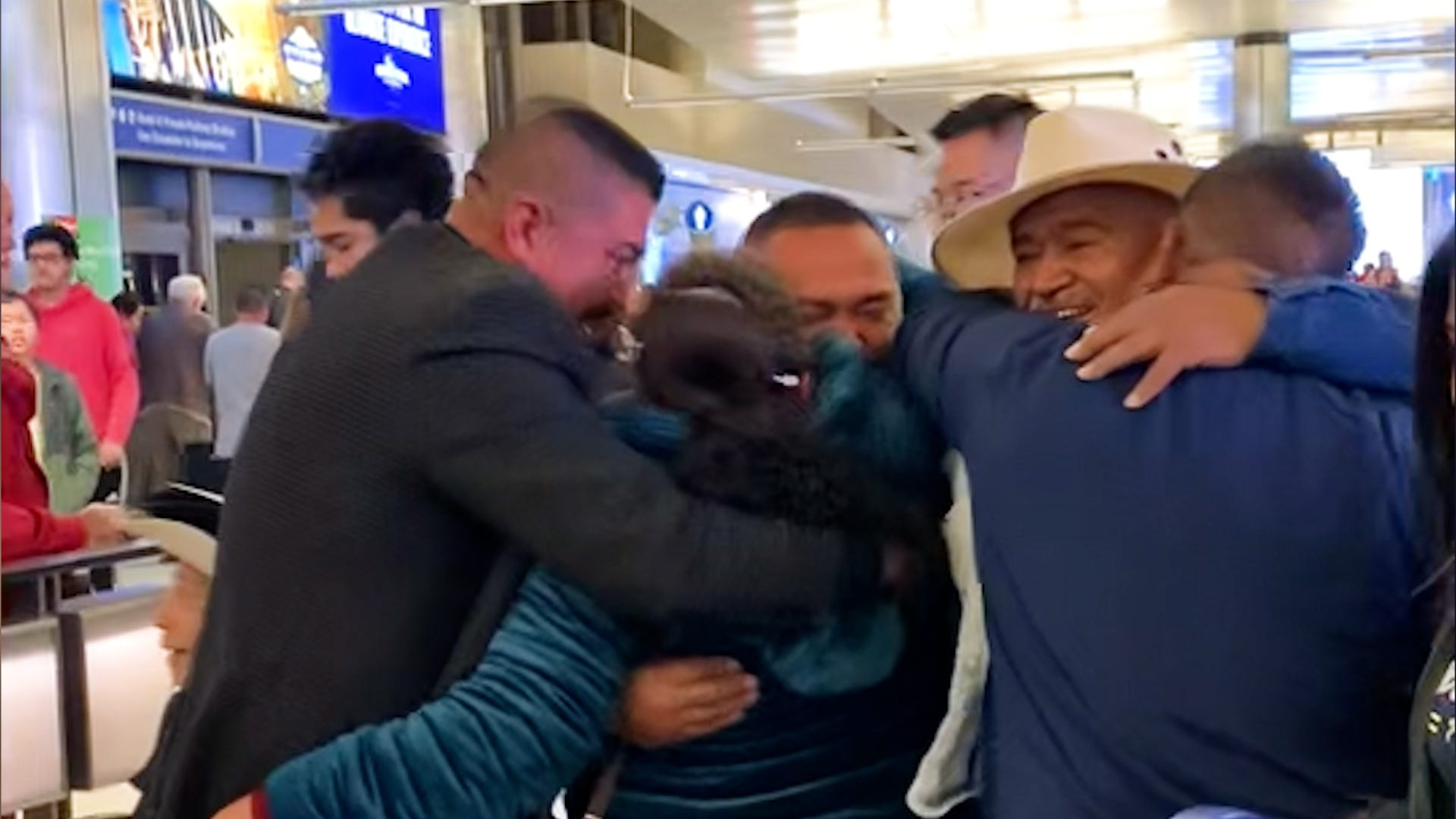 Brothers sob as they see their parents in person after 22 years