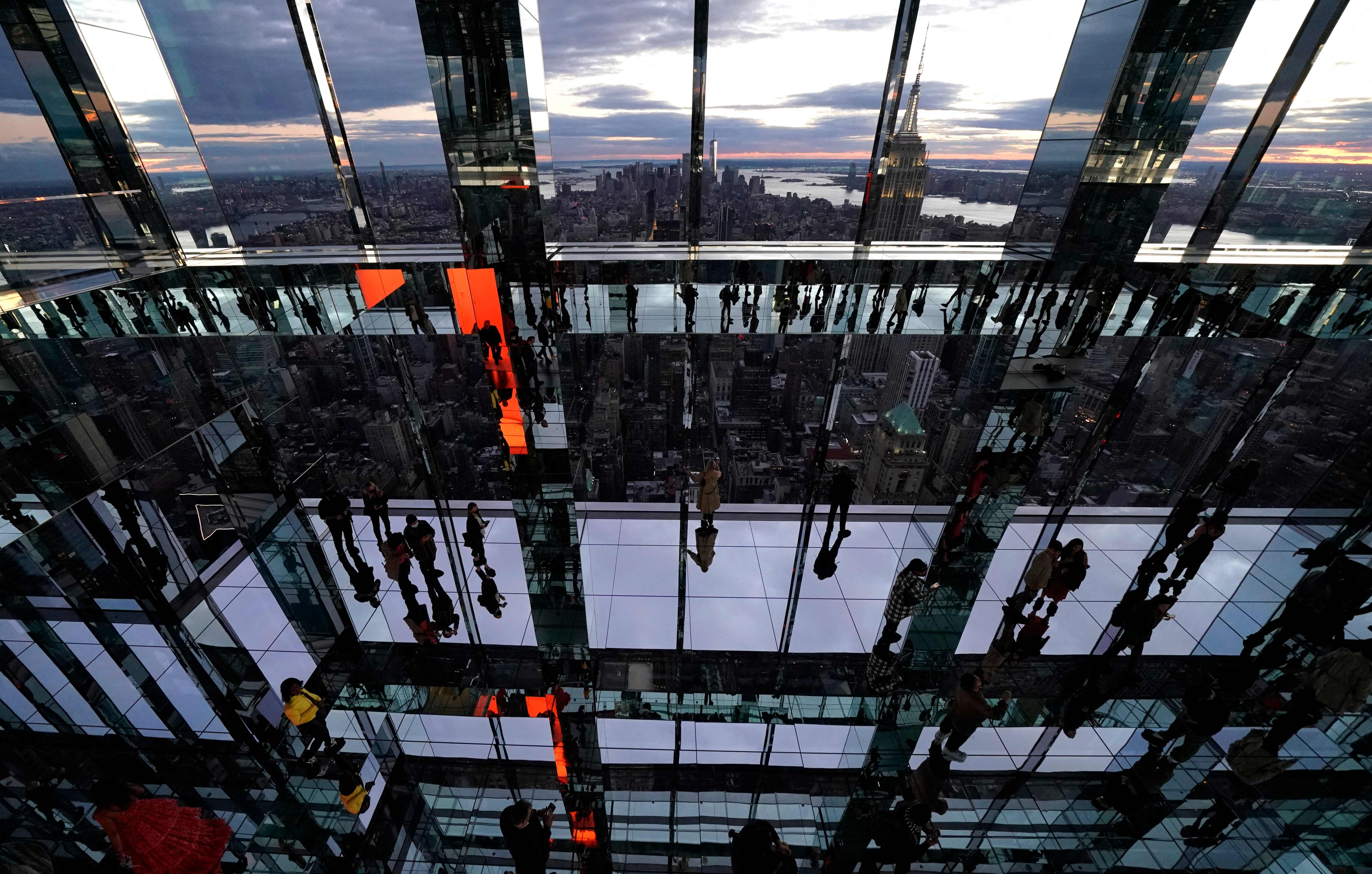 New York City all-glass attraction, Summit One Vanderbilt, encourages  no skirt  policy