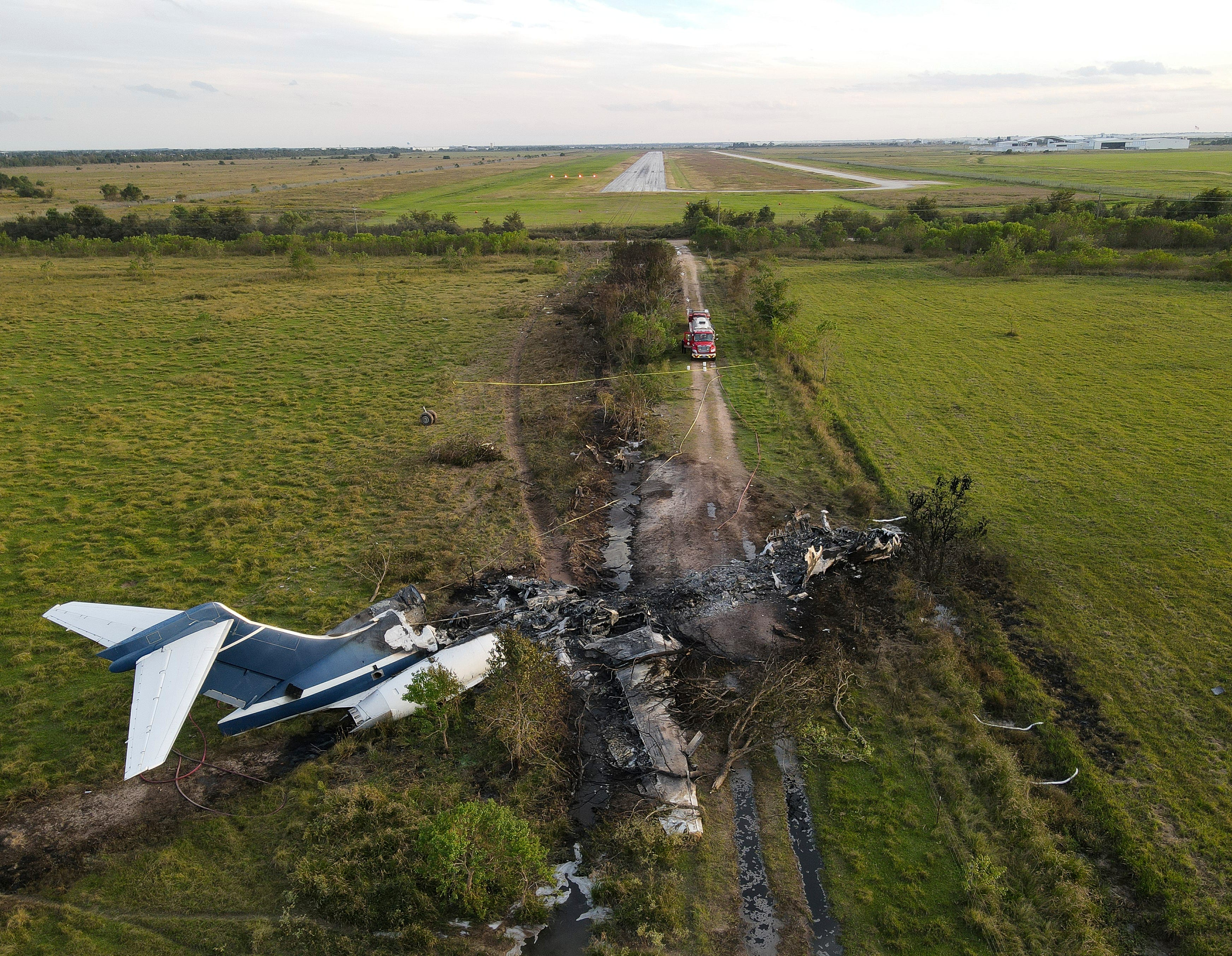 Get out, get out, get out : Everyone survives after plane s  horrific  failed takeoff in Texas