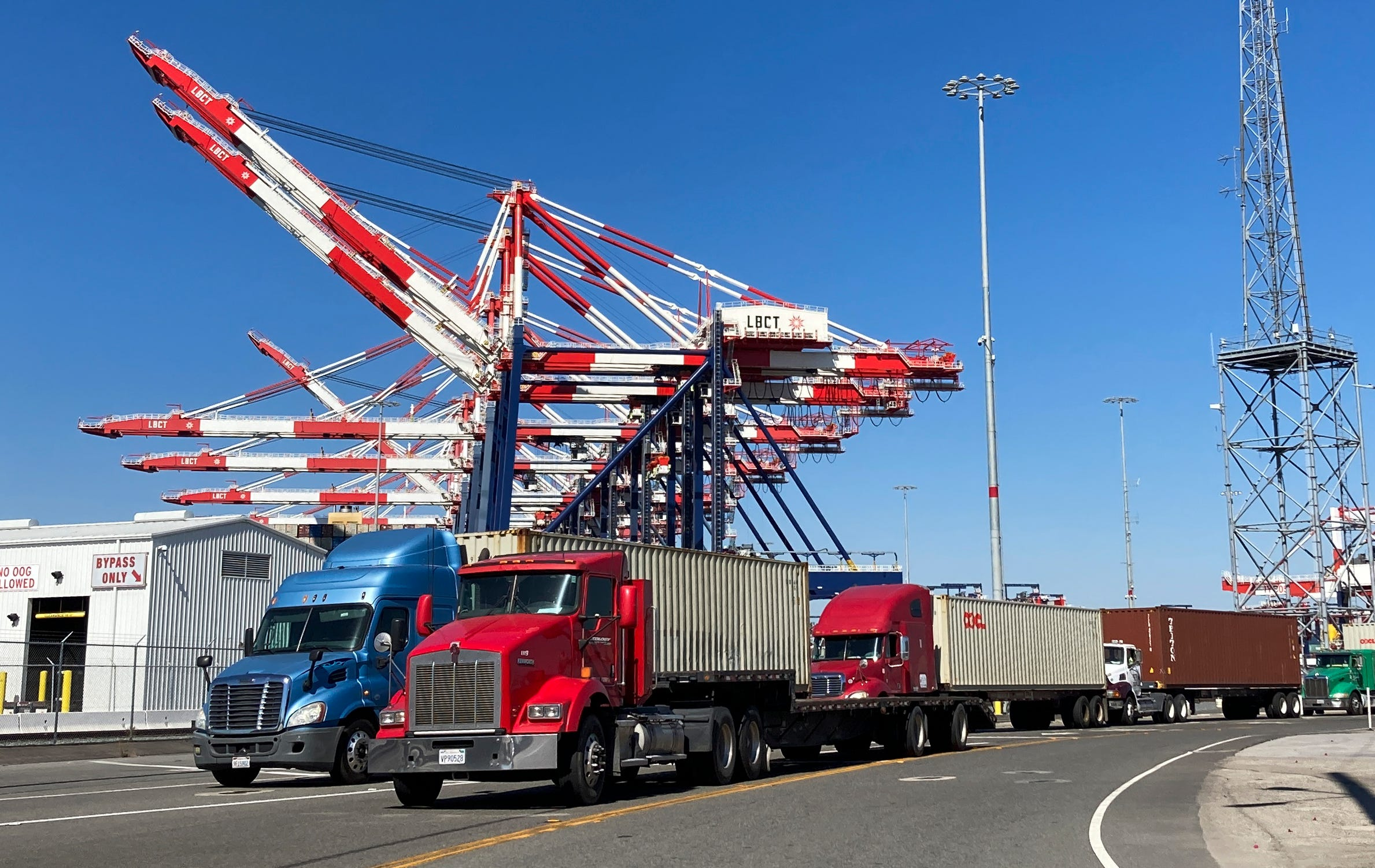 Biden says running LA ports 24/7 will help save Christmas shopping. It s not that simple, experts warn.