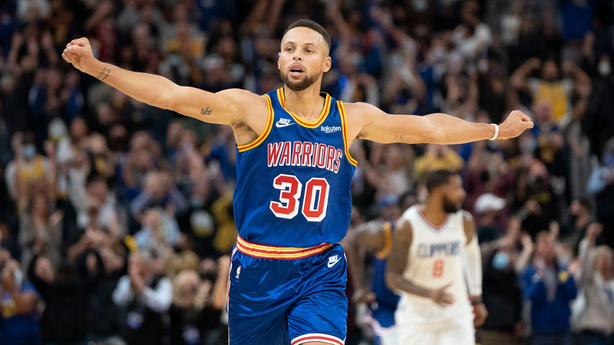 Stephen Curry has perfect first quarter, finishes with 45 points as Warriors beat Clippers