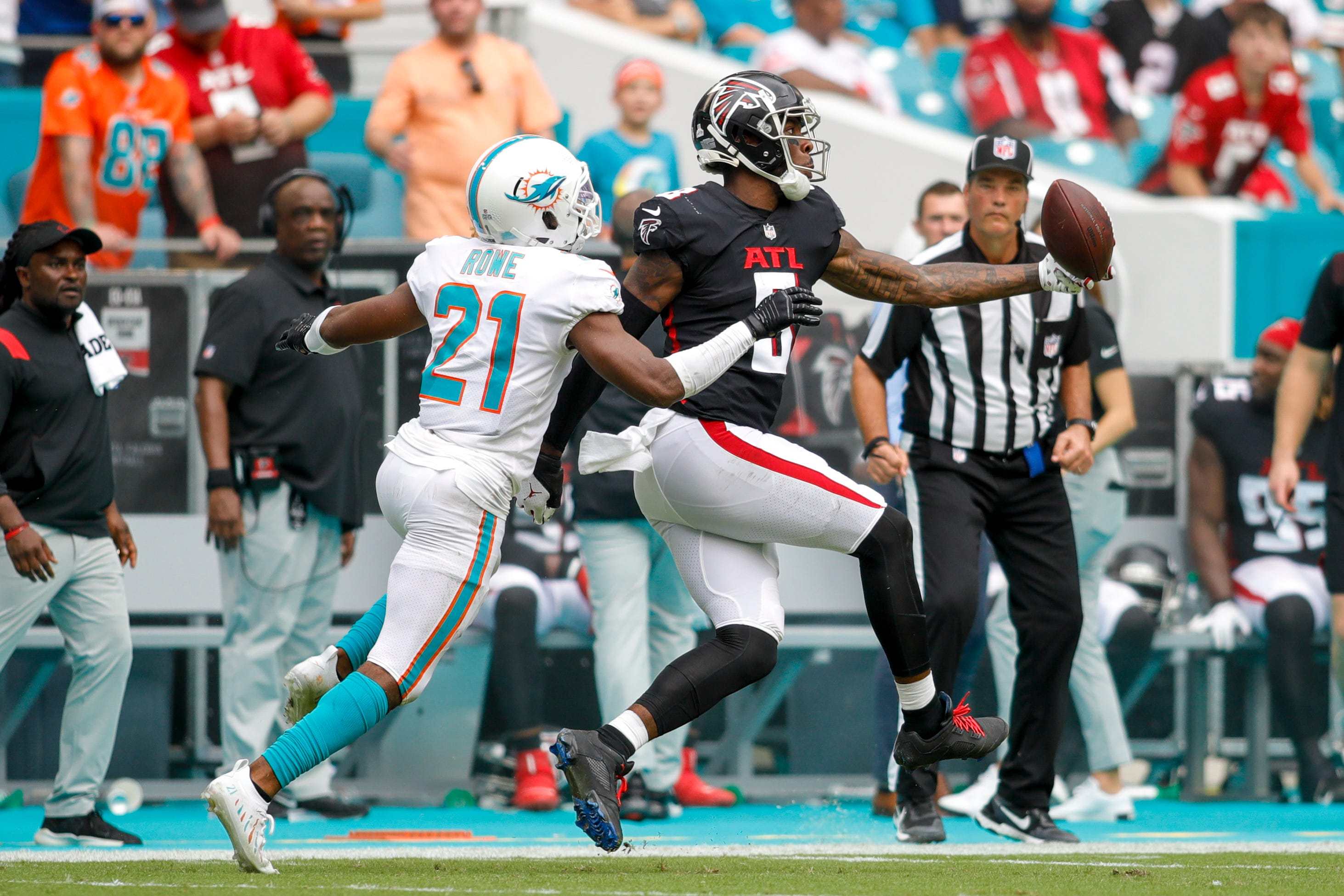 Kyle Pitts' two catches on Falcons game-winning drive caps big day against Dolphins