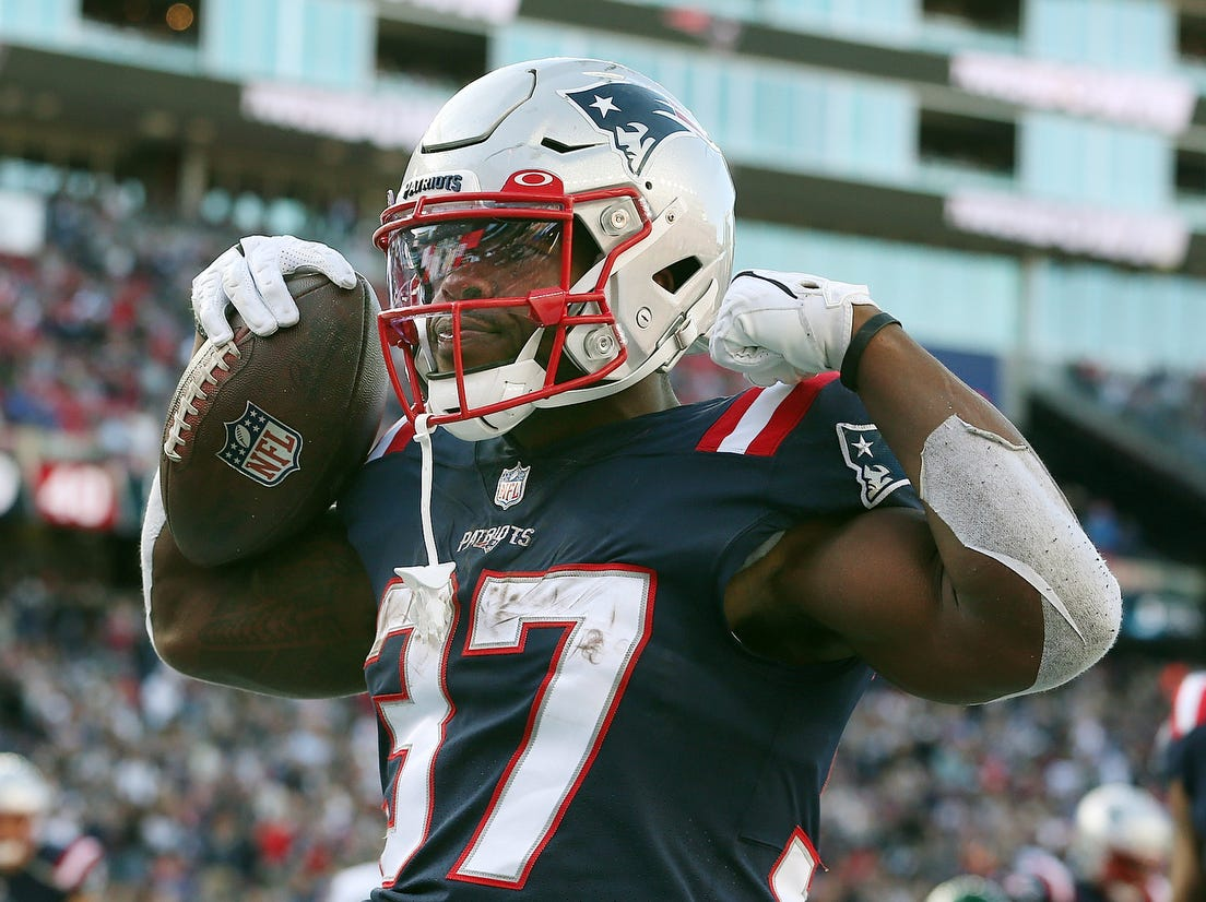 Patriots-Jets takeaways: Offense puts up historic numbers in 54-13 win