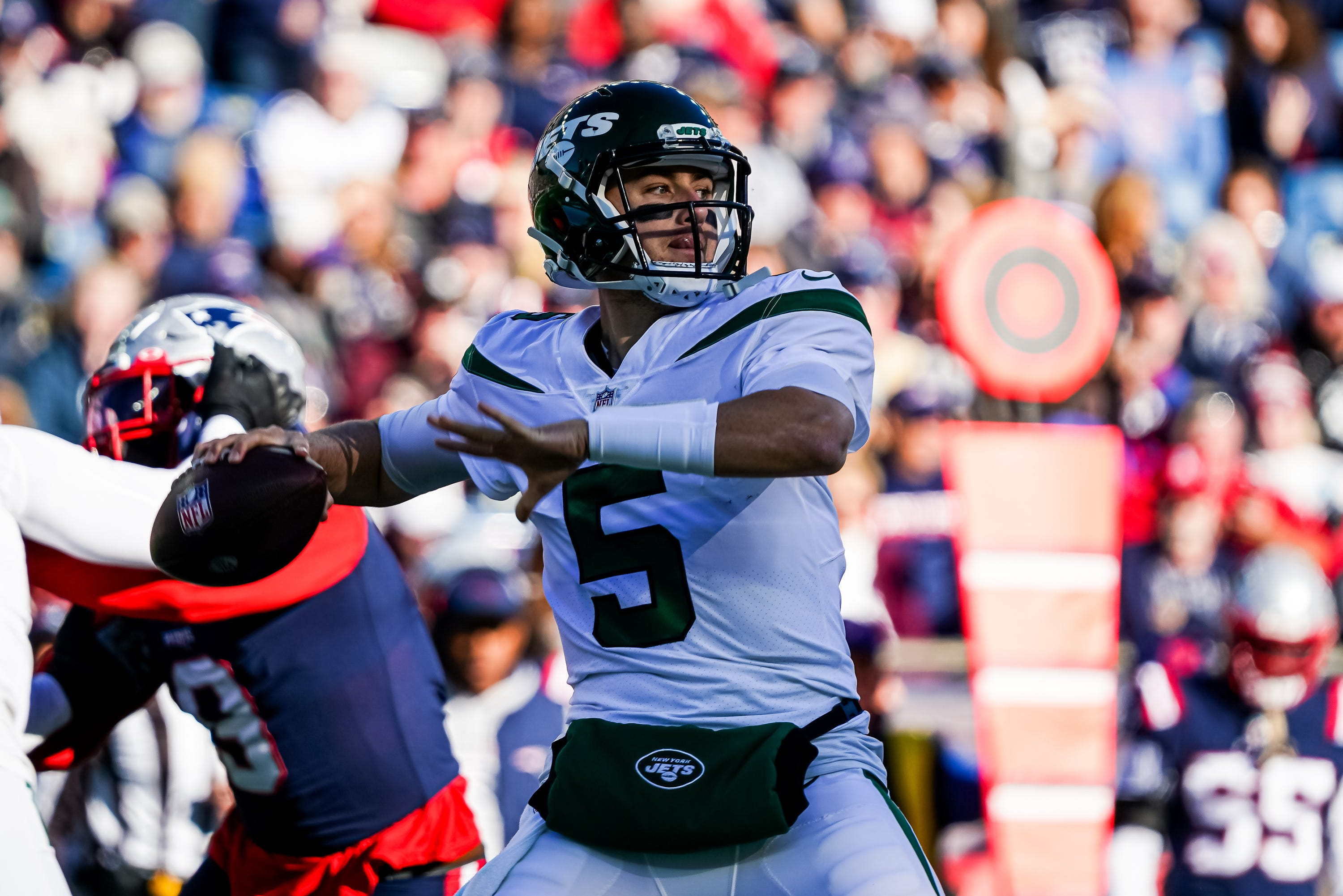 New York Jets to start backup quarterback against Cincinnati Bengals with Zach Wilson out