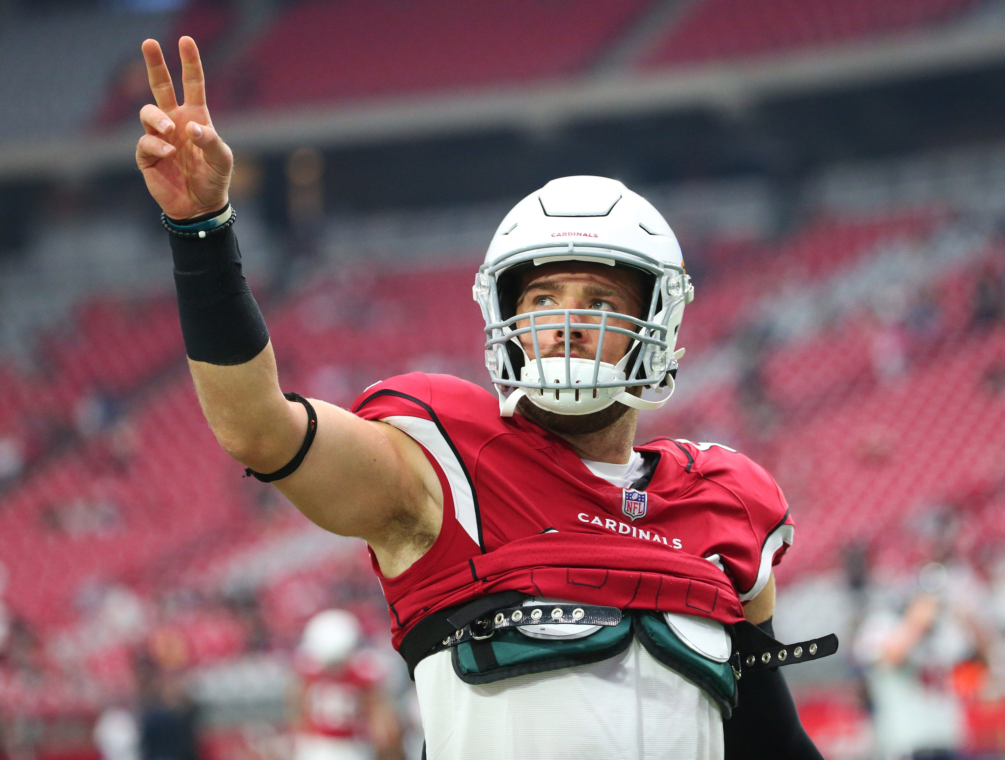 Zach Ertz already looks stellar wearing red, makes history in Cardinals debut