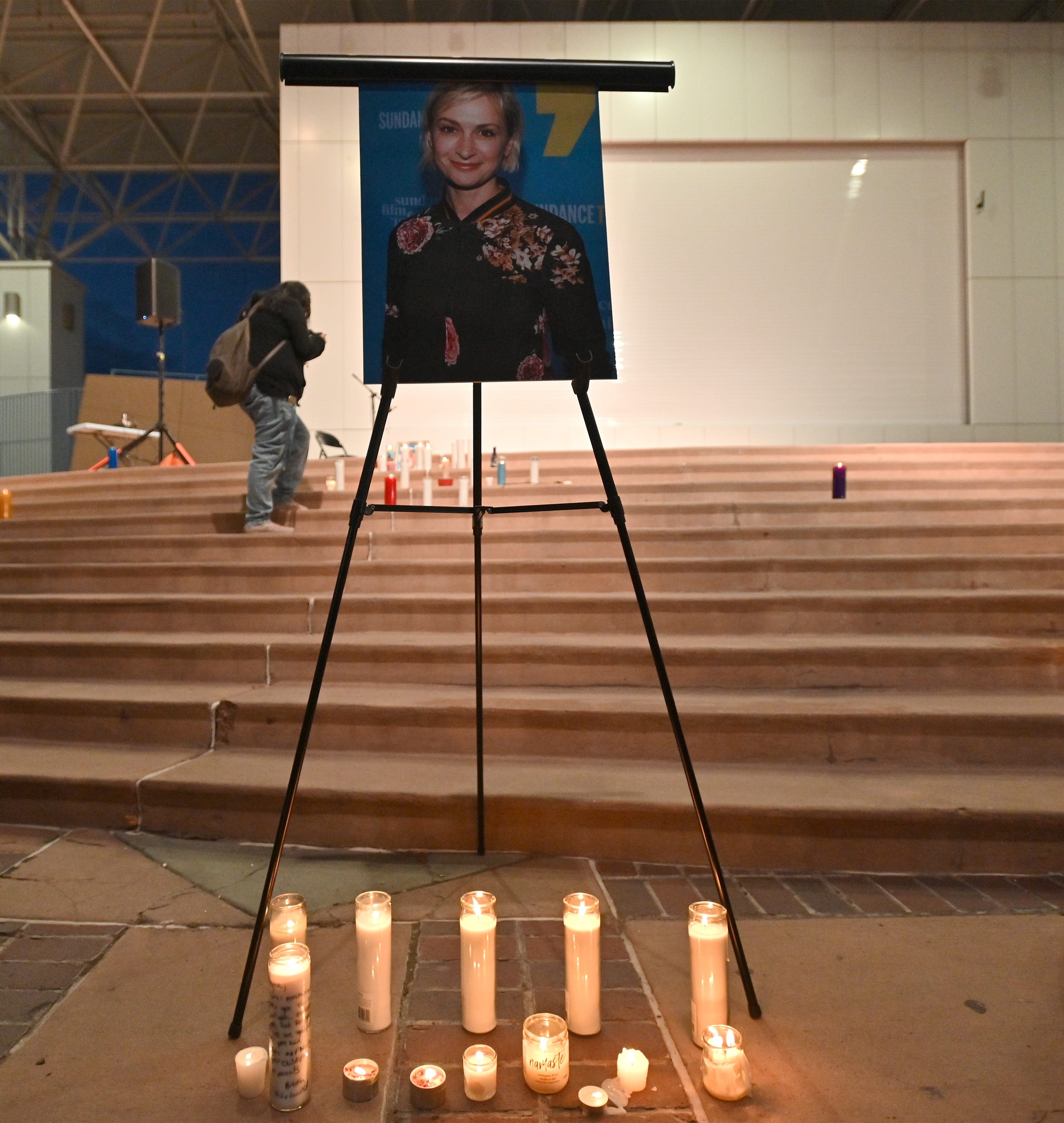 What we know about deadly prop gun shooting on  Rust : Vigil held for Halyna Hutchins