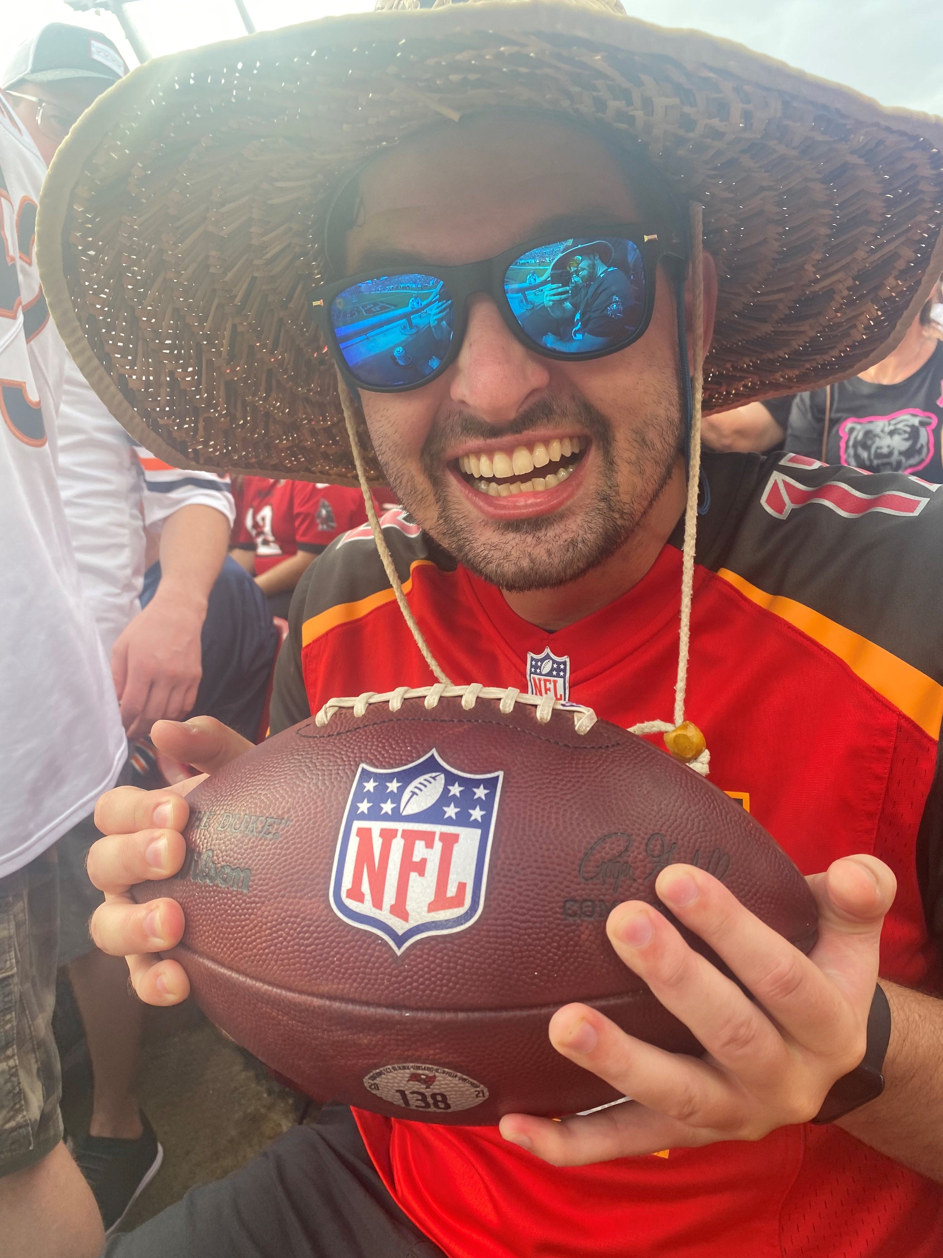 Tampa Bay Buccaneers fan gets Tom Brady's 600th touchdown ball then gives it up