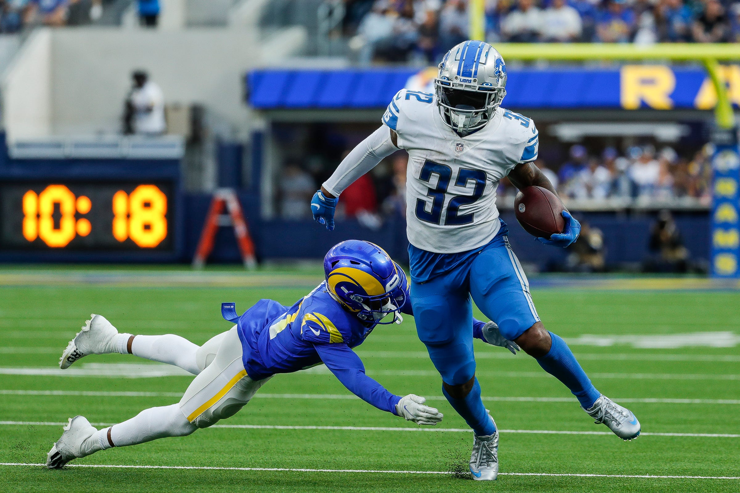 Why Detroit Lions' D'Andre Swift is 'a stud, can't get him the ball enough'