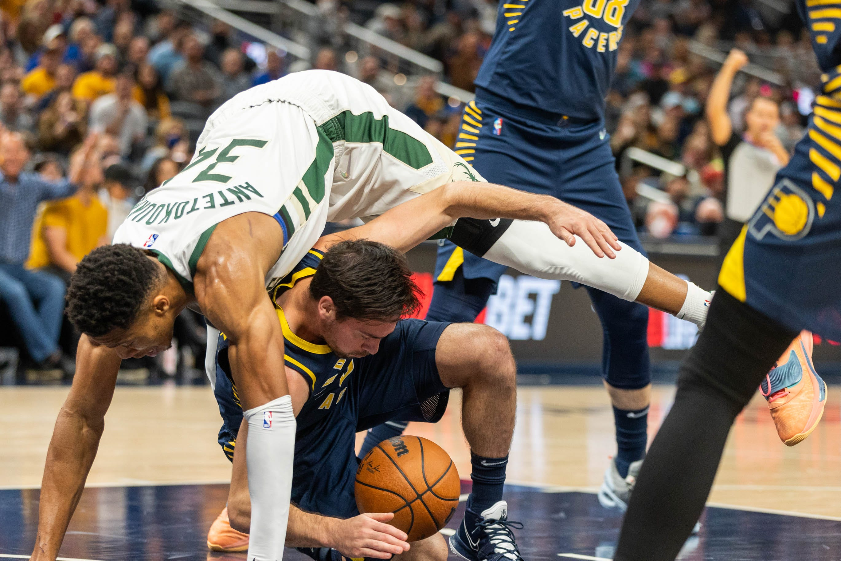 Five takeways from NBA champion Bucks' road win over Pacers