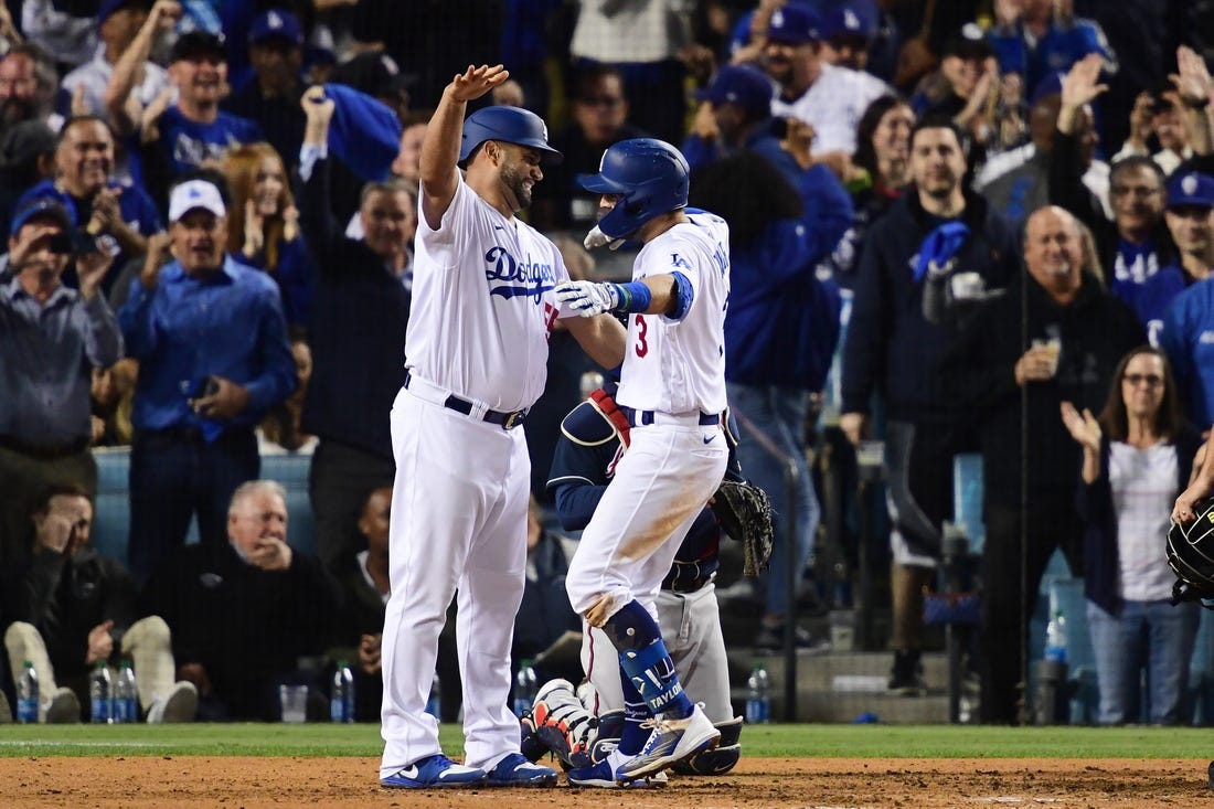 Chris Taylor belts three homers as Dodgers extend NLCS