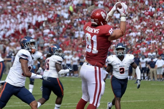 Sep 2, 2017; Norman, OK, USA; Oklahoma Sooners tight end Mark Andrews (81) catches a touchdown pass against the UTEP Miners  during the second quarter at Gaylord Family - Oklahoma Memorial Stadium. Mandatory Credit: Mark D. Smith-USA TODAY Sports