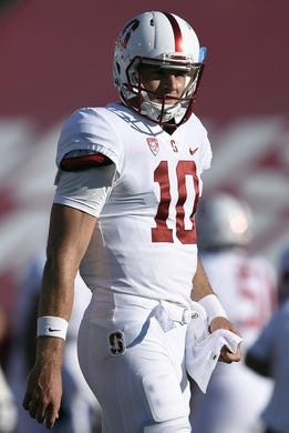 Sep 9, 2017; Los Angeles, CA, USA; Stanford Cardinal quarterback Keller Chryst (10) warms up prior to the game against the Southern California Trojans at Los Angeles Memorial Coliseum. Mandatory Credit: Kelvin Kuo-USA TODAY Sports