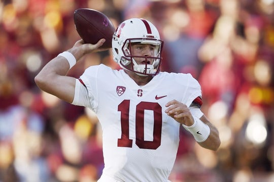 Sep 9, 2017; Los Angeles, CA, USA; Stanford Cardinal quarterback Keller Chryst (10) throws a pass during the first quarter against the Southern California Trojans at Los Angeles Memorial Coliseum. Mandatory Credit: Kelvin Kuo-USA TODAY Sports