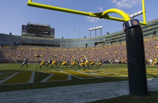 Sep 10, 2017; Green Bay, WI, USA; The Green Bay Packers line up for a play during the second quarter against the Seattle Seahawks at Lambeau Field. Mandatory Credit: Jeff Hanisch-USA TODAY Sports