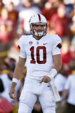 Sep 9, 2017; Los Angeles, CA, USA; Stanford Cardinal quarterback Keller Chryst (10) in action during the first quarter against the Southern California Trojans at Los Angeles Memorial Coliseum. Mandatory Credit: Kelvin Kuo-USA TODAY Sports