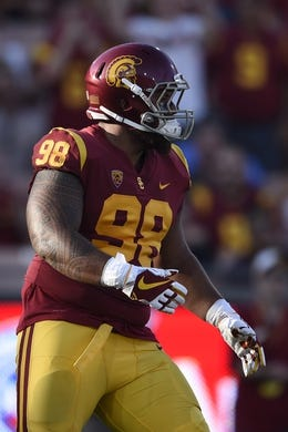 Sep 9, 2017; Los Angeles, CA, USA; Southern California Trojans defensive tackle Josh Fatu (98) in action during the first quarter against the Stanford Cardinal at Los Angeles Memorial Coliseum. Mandatory Credit: Kelvin Kuo-USA TODAY Sports