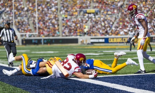 Sep 23, 2017; Berkeley, CA, USA; USC Trojans tight end Tyler Petite (82) runs the ball to score a touchdown against the California Golden Bears in the second quarter at Memorial Stadium. Mandatory Credit: John Hefti-USA TODAY Sports