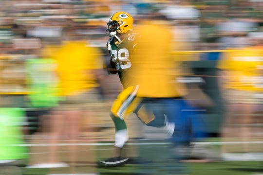 Sep 24, 2017; Green Bay, WI, USA; Green Bay Packers running back Ty Montgomery (88) runs onto the field prior to the game against the Cincinnati Bengals at Lambeau Field. Mandatory Credit: Jeff Hanisch-USA TODAY Sports