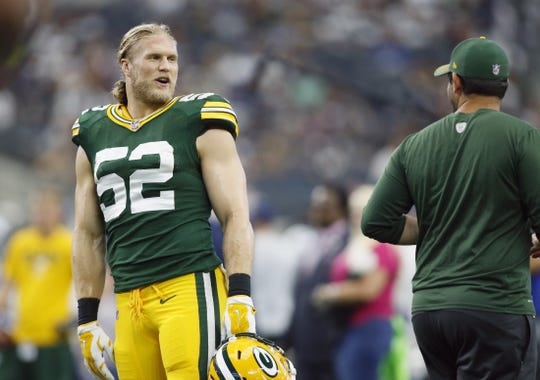Oct 8, 2017; Arlington, TX, USA; Green Bay Packers linebacker Clay Matthews (52) on the field before the game against the Dallas Cowboys at AT&T Stadium. Mandatory Credit: Tim Heitman-USA TODAY Sports