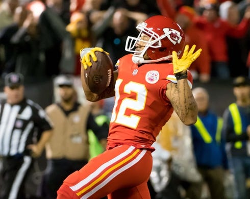 Oct 19, 2017; Oakland, CA, USA; Kansas City Chiefs wide receiver Albert Wilson (12) scores a touchdown against the Oakland Raiders during the third quarter at Oakland Coliseum. Mandatory Credit: Kelley L Cox-USA TODAY Sports