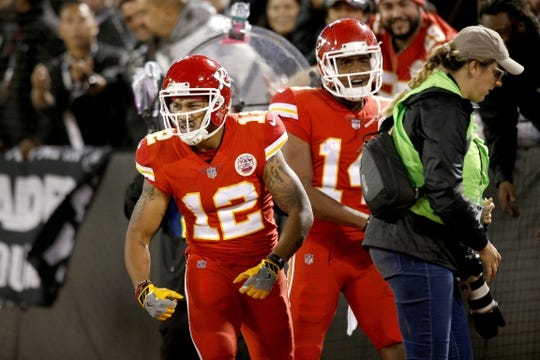 Oct 19, 2017; Oakland, CA, USA; Kansas City Chiefs wide receiver Albert Wilson (12) reacts after catching a touchdown against the Oakland Raiders in the third quarter at Oakland Coliseum. The Raiders defeated the Chiefs 31-30. Mandatory Credit: Cary Edmondson-USA TODAY Sports